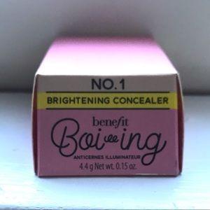 Benefit boi-ing brightening concealer, light NWT